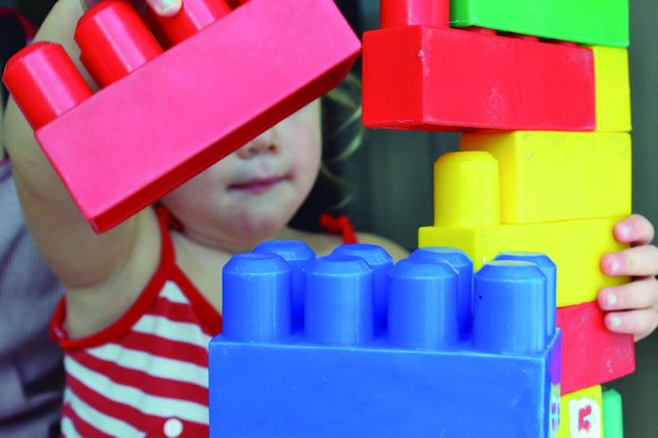 Imagen ilustrativa de niño autista