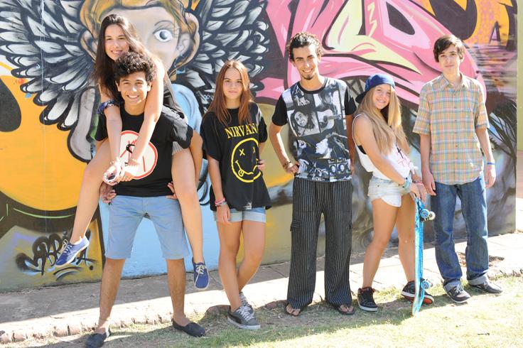 Adolescentes al sol