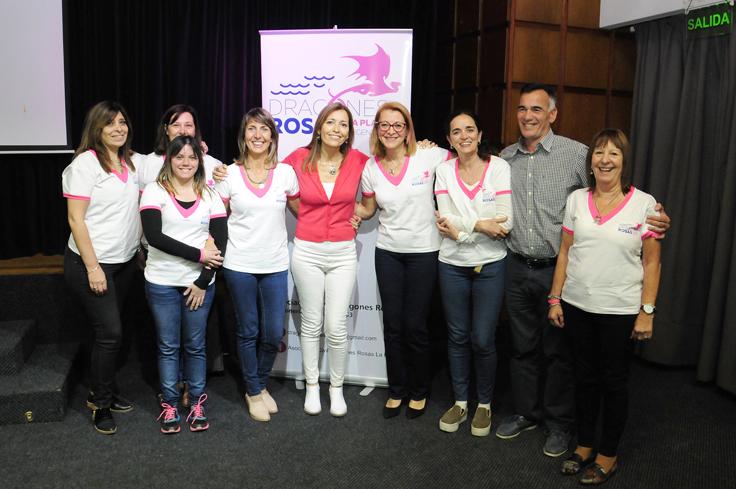 Parte de las integrantes de Dragones Rosas La Plata estuvieron en la charla.