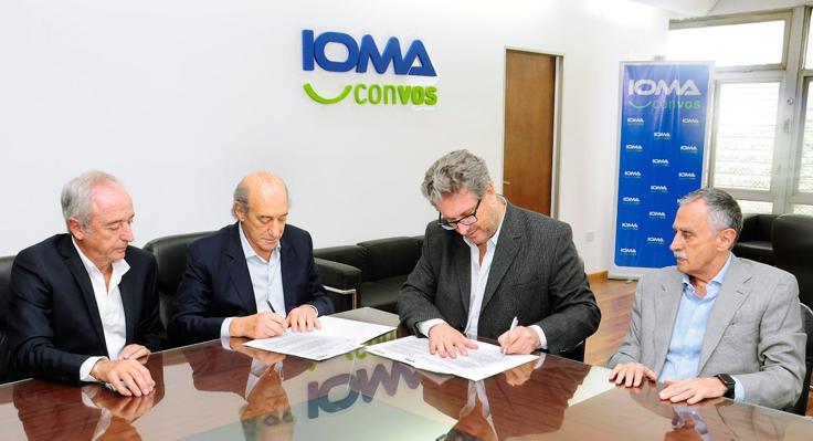 Autoridades de la CEPSAL junto al presidente de IOMA Pablo Di Liscia.